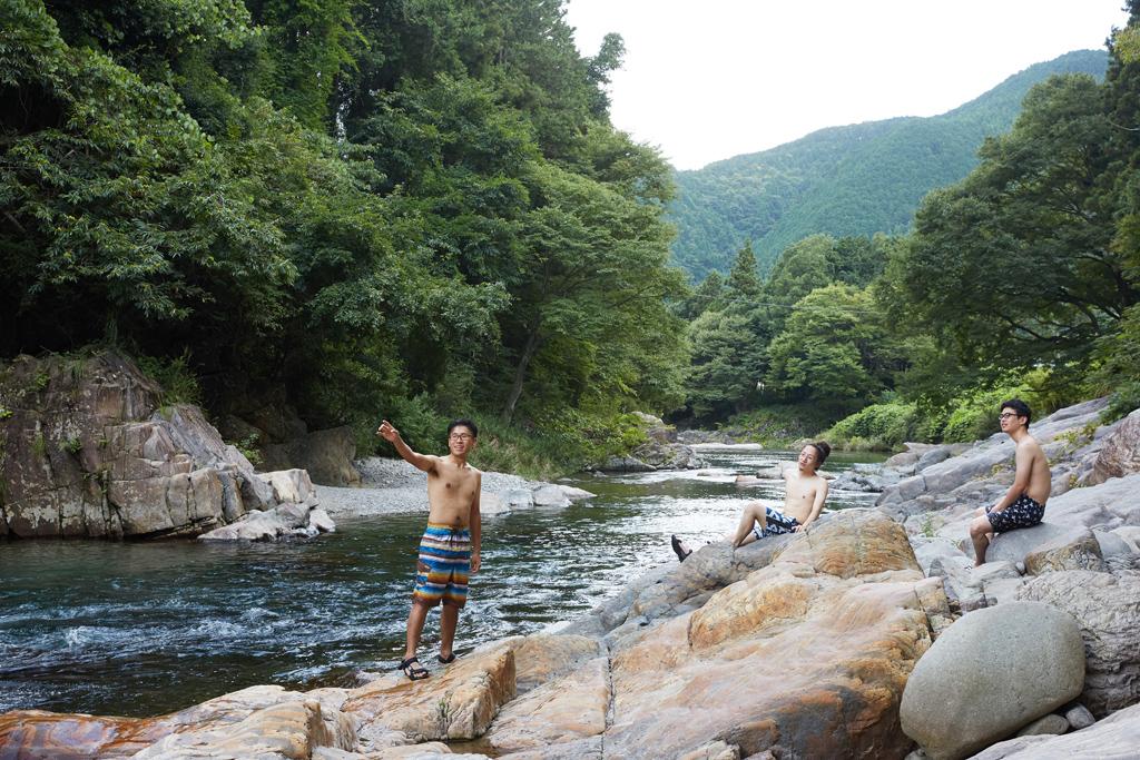 美しい川の流れ